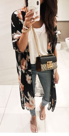 White top jeans and some nice prints - Mode Fashion - Summer Dress Outfits Fashion Mode, Look Fashion, Fashion Trends, Fashion 2018, Fashion Spring, Fashion Online, Mode Outfits, Casual Outfits, Fashion Outfits