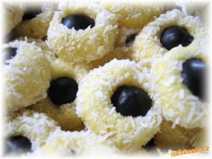Christmas Sweets, Christmas Cookies, Outdoor Parties, Doughnut, Cake Recipes, Food And Drink, Holiday, Party, Desserts