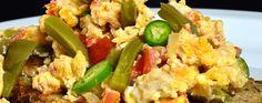 Huevos estilo mexicano Ver receta: http://www.mis-recetas.org/recetas/show/68911-huevos-estilo-mexicano
