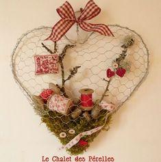 Chicken wire heart tutorial- cute for Valentine's Valentine Day Crafts, Be My Valentine, Diy Projects To Try, Craft Projects, Chicken Wire Crafts, Diy And Crafts, Arts And Crafts, I Love Heart, Wire Art