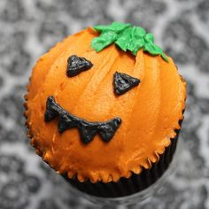 Halloween - Fall Spice by Sugadeaux Cupcakes, via Flickr