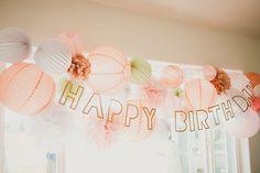 pastel colors birthday party! www.sous-le-lampion.com Un anniversaire pastel | paper lanterns