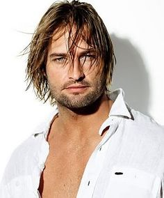 This is Josh Holloway. Josh was a great reason to watch every single episode of Lost, for a weekly nibble of bad boy eye candy. Josh Holloway is a yummy guy. Josh Holloway, Hot Men, Hot Guys, Sexy Guys, Mission Impossible 4, Pretty People, Beautiful People, Hommes Sexy, Olivia Wilde
