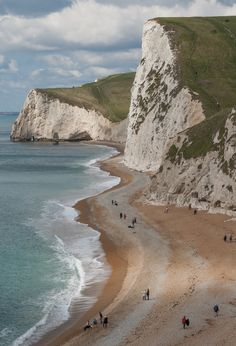 """wanderthewood: """"Beach at Durdle Door, Dorset, England by tom_nurse """" Places Around The World, The Places Youll Go, Places To See, Around The Worlds, Landscape Photography, Nature Photography, Dorset England, Nature Aesthetic, English Countryside"""