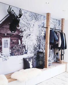 """Interior   Decoration   Home on Instagram: """"🖤1. DEZEMBER 🖤 Heute durften die ersten Adventskalender geöffnet werden.🤍 Hattet ihr schöne Überraschung dabei?⭐ Ich wünsche euch noch…"""" Tapestry, Instagram, Home Decor, House Entrance, December, Advent Calenders, Nice Asses, Hanging Tapestry, Tapestries"""