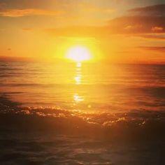 Bermuda Sunsets : @ballinho -  Tonight's Sunset... Tranquility  #wearebermuda #gotobermuda #AhhBermuda #Sunset #BestOfTheDay #Beach #nature #sky #sun #summer #beautiful #sunset #sunrise #sunsetporn  #instanaturefriends #natureskingdom #sunset_united #allnatureshots #beauty #cloudporn #photooftheday #love #skylovers #sunsethunter #nature_perfection #bestnatureshot #natureaddict #sunset_madness #sunsetsniper #sunset_pics