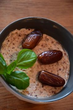 Cranberry Date Dip – ThermiQueen Dattel, Dip, Thermomix, Vorwerk - Everything About Appetizers Meat Appetizers, Thanksgiving Appetizers, Appetizer Recipes, Simple Appetizers, Drink Recipes, Sweet Tarts, Recipe For 4, Clean Eating Snacks, Snacks