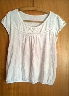 Buy here at #vinteduk http://www.vinted.co.uk/womens-clothing/t-shirts/5971726-t-shirt-size-18-white