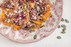 Salada de quinoa e abóbora assada Pumpkin Salad, Roast, Roasted Squash, Quinoa Salad, Refrigerator, Veggies, Oven, Salads, Food