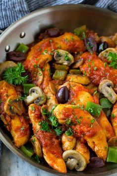 Jump to Recipe Print Recipe LC Dinner time always seems to be the toughest for finding a meal that is healthy and filling, however, this Easy Chicken Cacciatore Recipe fits both those needs. From start to table in under 30 minutes is a huge plus as well. Those busy nights can creep up on you …