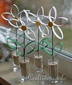 "Paper Tube Daisy 2- I wonder if we could use ""upcycle"" for an Art Lit lesson?"