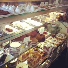 At Tartine Bakery, i