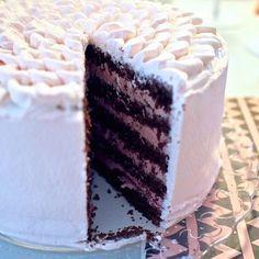 Kermaruusu: Kostea suklaakakkupohja