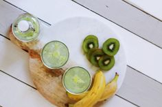 Kiwi is a very healthy Fruit, which grows in New Zealand, popularly. Let us see Most Important Health Benefits of Eating Kiwi Fruit Best Juicing Recipes, Smoothie Recipes, Cleanse Recipes, Remedies For Menstrual Cramps, Cramp Remedies, Detox Kur, Kiwi Smoothie, Alkaline Diet, Eat Fruit