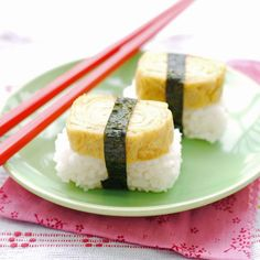 tamago nigiri... i could quite happily live off you everyday for the rest of my life