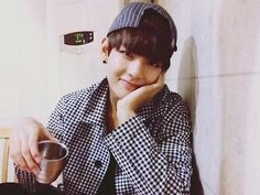 Going on a date with this boy and him looking at you like this the whole time LIKE NOPE OKTHXBAI ㅋㅋㅋ