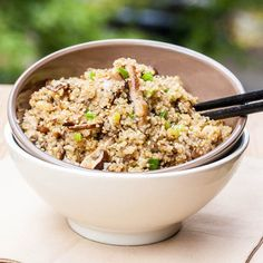 Toasted Quinoa with Mushrooms and Asian Flavors - This healthy vegan quinoa recipe is packed with flavor.