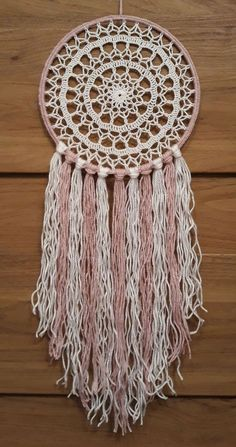 Łapacz snów - 20 cm - hand made - szydełko 7632106808 - Allegro. Doily Dream Catchers, Dream Catcher Decor, Dream Catcher Boho, Making Dream Catchers, Crochet Dreamcatcher Pattern, Crochet Mandala Pattern, Crochet Patterns, Crochet Home, Love Crochet