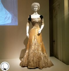 Evening dress (image 1) | House of Worth | French | 1900-1905 | Galleria del Costume di Palazzo Pitti, Firenze | Belonged to Donna Franco Florio