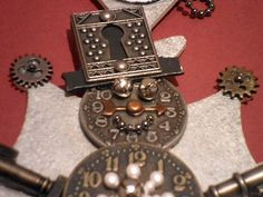 leslierahye's - A Very Merry Holiday Steampunk Blog Hop! Fantastic #steampunk Snowman Ornament  http://www.leslierahye.blogspot.com  #leslierahyesbloghops