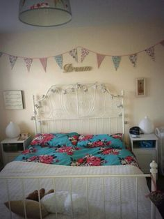 Bedroom ideas on pinterest cath kidston rose wallpaper for Cath kidston style bedroom ideas