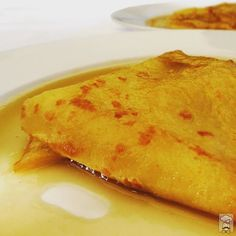 A variation of crêpe suzette made with pineapple instead of orange. Simply delicious #hautecuisines #CuraumaCatering #yummy #crepe #banquetería #catering #Curauma #Placilla #Valparaíso #ViñadelMar #casablancavalley #casablancachile #ElChefEsSeco #happyfriday #instacurauma #curaumacity