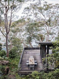 Dangar Island Vacation Home With Wooden Terrace – Design. Cabana, Architecture Durable, Australian Holidays, Australian Bush, Australian Homes, Australian Architecture, Wooden Terrace, Wood Patio, Terrace Design