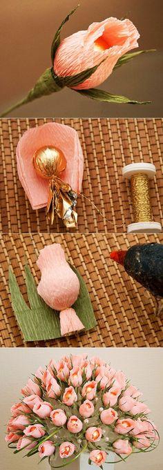 Los ramos de los bombones por las manos, poshagovye la FOTO - la continuación 5 Crepe Paper Crafts, Crepe Paper Flowers, Paper Roses, Paper Bouquet, Diy Bouquet, Candy Flowers, Diy Flowers, Chocolate Flowers Bouquet, Candy Crafts