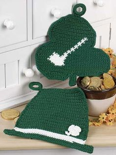 This pattern can be for St. Patrick's day or any day you feel Irish!!! Crochet...
