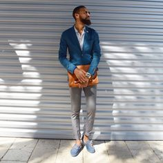 The secret to dressing well has nothing to do with wearing expensive clothes. A must read for the modern man! Gentleman Mode, Gentleman Style, Sharp Dressed Man, Well Dressed Men, Blazers For Men Casual, Expensive Clothes, Mens Trends, Herren Outfit, Suit Fashion