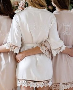 Garter Girl Loves: Pretty Robes For The Bride lace bride robe - Where to find bridal robes, a collec Lace Bridal Robe, Bridal Party Robes, Lace Bride, Bride Garter, Wedding Lingerie, Bridal Gifts, Wedding Ideias, Bridesmaid Robes, Bridesmaid Gifts Unique