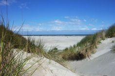 Doorkijkje naar de zee op Texel