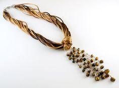 Collar Gran Cordelia Atigrada por PetraStoneJoyas en Etsy,