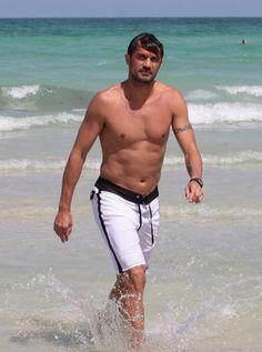 paolo-maldini-a-miami-beach.jpg 625×842 píxeles