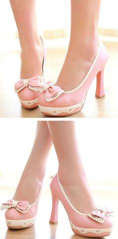 #me Adorable pink heels...