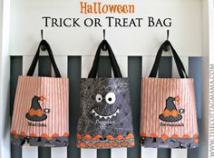 Halloween Trick or Treat Bag Pattern by Lindsay Wilkes from The Cottage Mama. www.thecottagemama.com #halloween #trickortreatbag #witchhazel #octoberafternoon #rileyblakedesigns #thecottagemama
