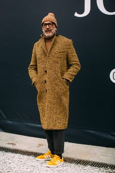 Newsboy Caps Dominated Street Style at Pitti Uomo - Alles über Damenmode Fashion Casual, Look Fashion, Fashion Tips, Old Man Fashion, Street Fashion, Fashion Boots, Urban Fashion Girls, Milan Fashion, Fashion Styles