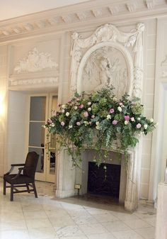 Not this full but Drapey - Beautiful fireplace with floral arrangement on the… Fireplace Mantle, Fireplace Design, Brick Fireplaces, Fireplace Decorations, Victorian Fireplace, Mantel Styling, Jardin Decor, Vibeke Design, Bouquet
