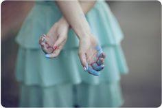 painted hands, dof