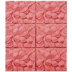 Die hübsche Hibiscusblüte gibt es jetzt auch als Mehrfachform. herrlich anzusehen in jeder Seifenschale. Milkyway Molds - Hibiscus Tray Soap Mold.