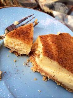 Quick, simple and delicious Melktert milk tart Custard Recipes, Tart Recipes, Sweet Recipes, Baking Recipes, Dessert Recipes, Pudding Recipes, Baking Ideas, Melktert Recipe, Korslose Melktert
