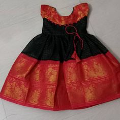 Kids sungudi frock Made on customization Own manufacturing All sizes available Ping me for more details WhatsApp Kids Party Wear Dresses, Kids Dress Wear, Kids Gown, Dresses Kids Girl, Baby Dresses, Kids Wear, Girls Frock Design, Kids Frocks Design, Baby Frocks Designs