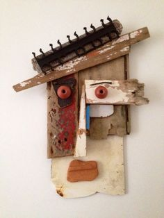 Mask realized with pieces of wood picked up on the beach. Mask realized with pieces of wood picked u Recycled Art Projects, Diy Art Projects, Wood Projects, Found Object Art, Found Art, Wood Creations, Driftwood Art, Assemblage Art, Art Plastique