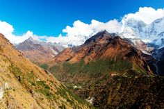 Trekking in the Everest Region of the Nepal Himalayas can be daunting. Here are my tips for first time trekkers in the region.