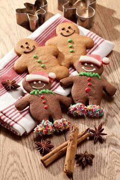 GingerBread Cookies ;;; this is a photo only.  I just saved it for the reminder to dip the feet in frosting and sprinkle! so cute~