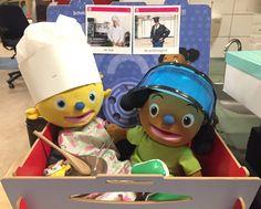 Schatkisttafel met Pompom als kok en Loeloe als politieagent