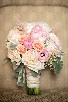 the prettiest palette in this bouquet  Photography by kristenweaver.com, Floral Design by fleurishdesignstudio.com