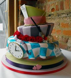 Amazing cakes-What is it about the Alice In Wonderland that I like so much?