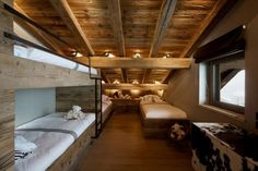 Love these bunk beds in a Chalet in Megeve, in the French Alps. What a warm, cozy room.