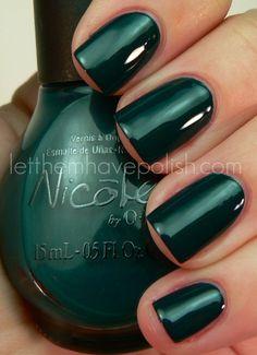 Emerald Dark Green Nail #Nails #Beauty
